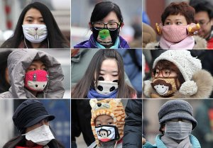 chinese-wear-masks-to-fight-pollution