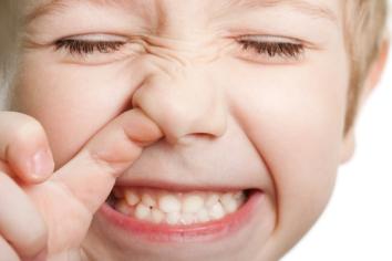 Baby-piking-his-nose