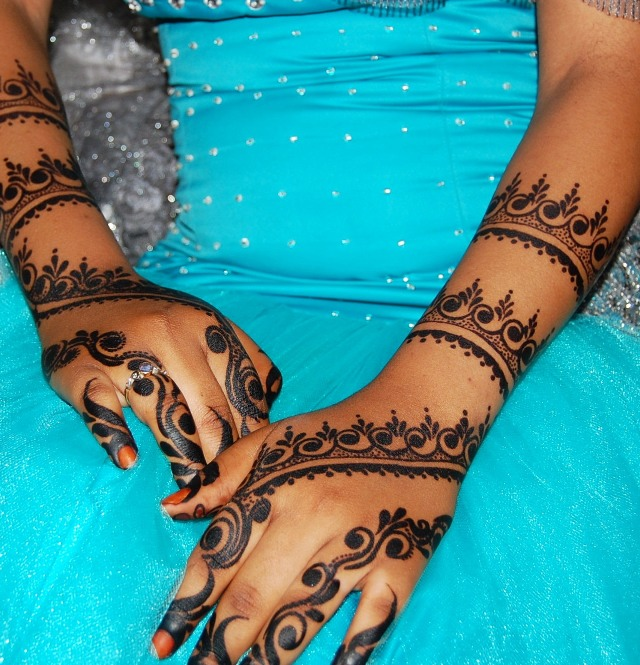 13 Stunning Henna Tattoos Around The World Writtenloud